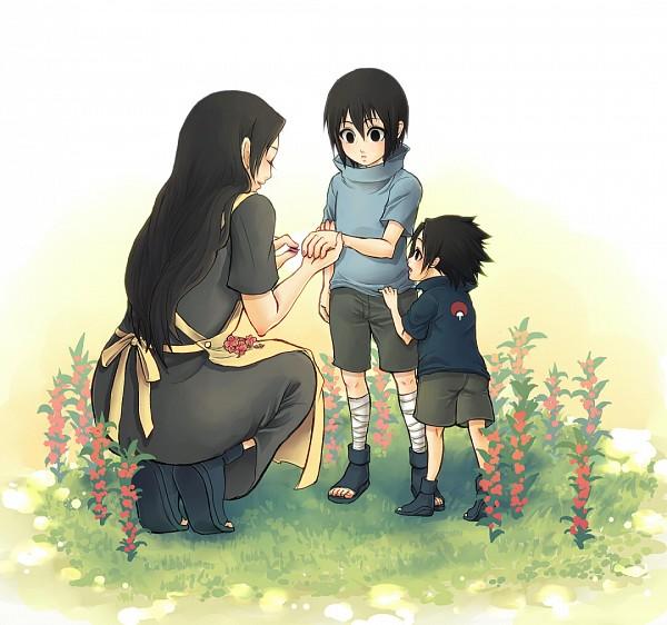 Итачи, Микото и Саске в саду